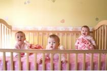 Điều kiện sinh con thứ ba không vi phạm pháp luật