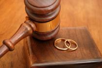 Giải quyết trường hợp người nộp đơn ly hôn vắng mặt